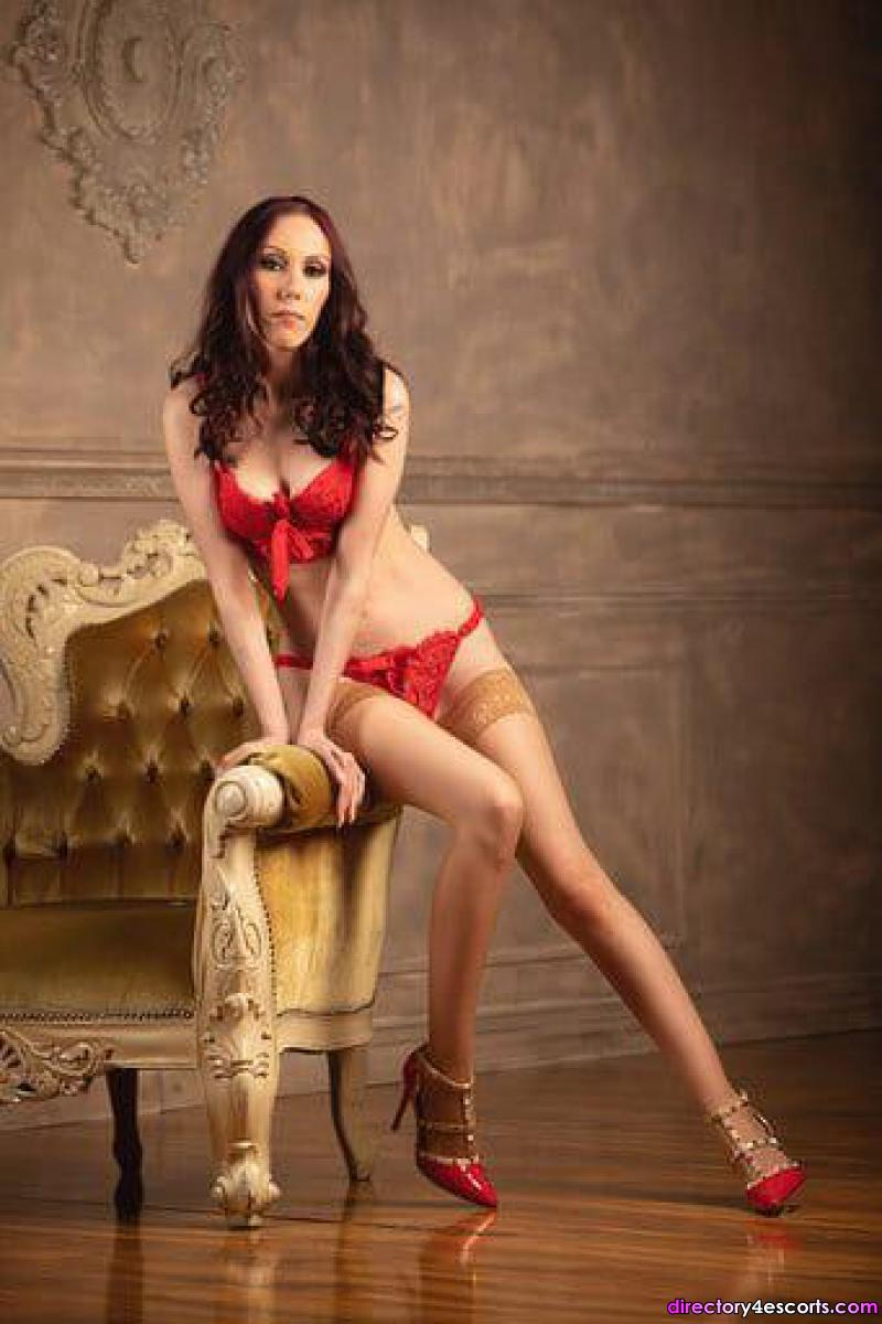Angelina English fun escort to visit you