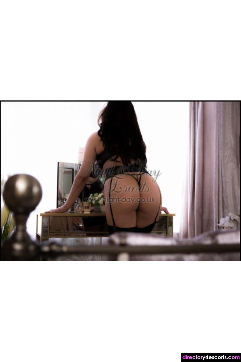 Escorts in Portsmouth, Bournemouth Are Ready To Please You