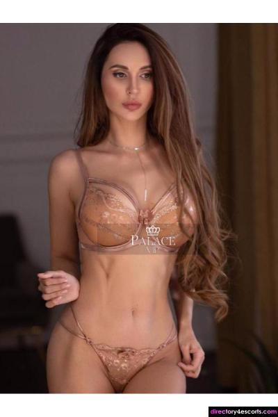 Dee - An Earl's Court Russian Brunette Escort
