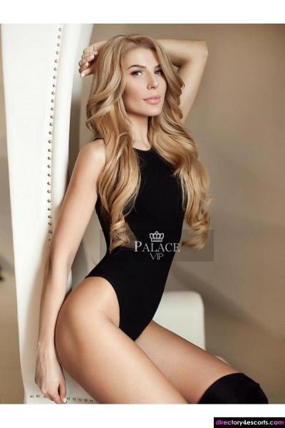 Nana - A Russian based in Earl's Court, a Blonde Beauty