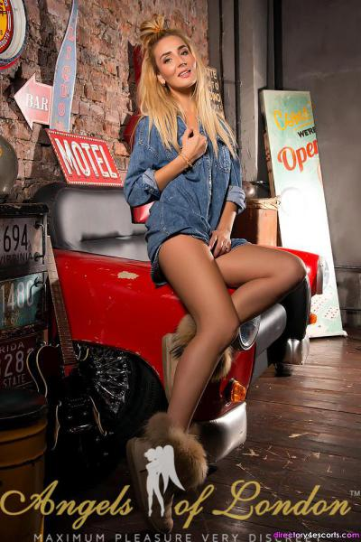 Estel Is A Sexy Blonde Who Loves Bringing Fantasies To Life