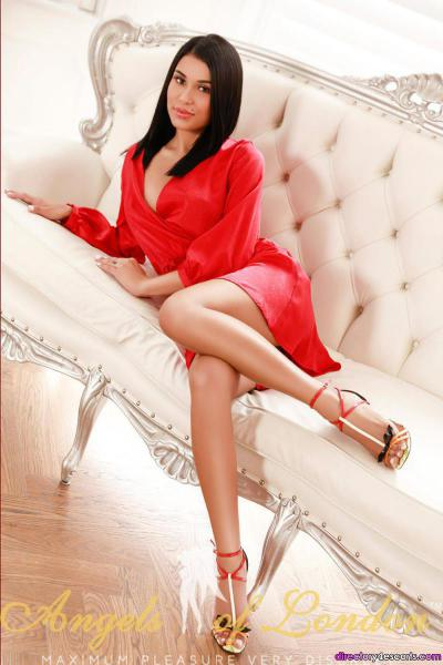 Foxi is a Young Brunette Escort in Marylebone