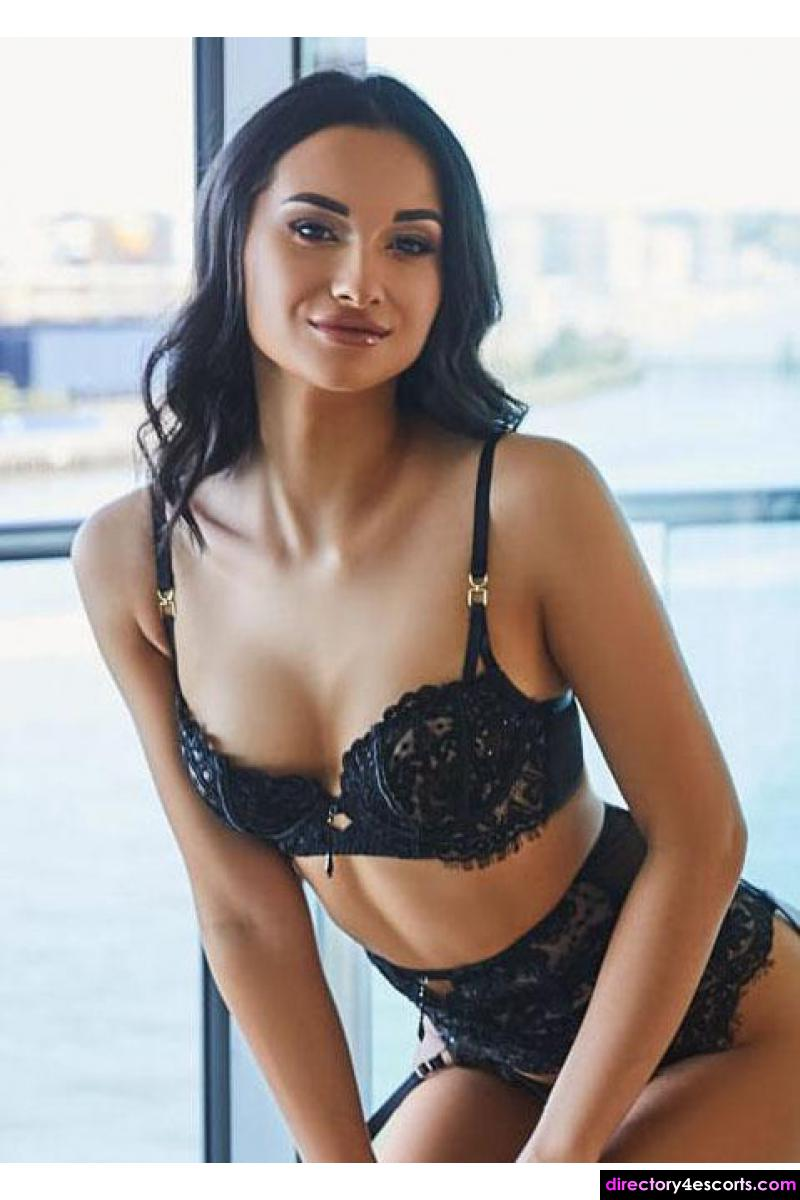 Amelly: She will keep you hard and wanting all night long
