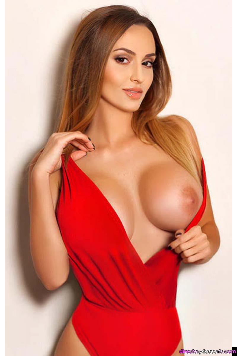 Anka: Super Busty East European London Escort in Knightsbridge