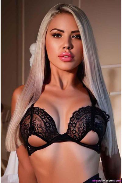 Monica: Busty Blonde London Escort in Bayswater