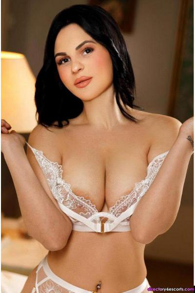 Lexie: Young Brunette London Escort in Paddington