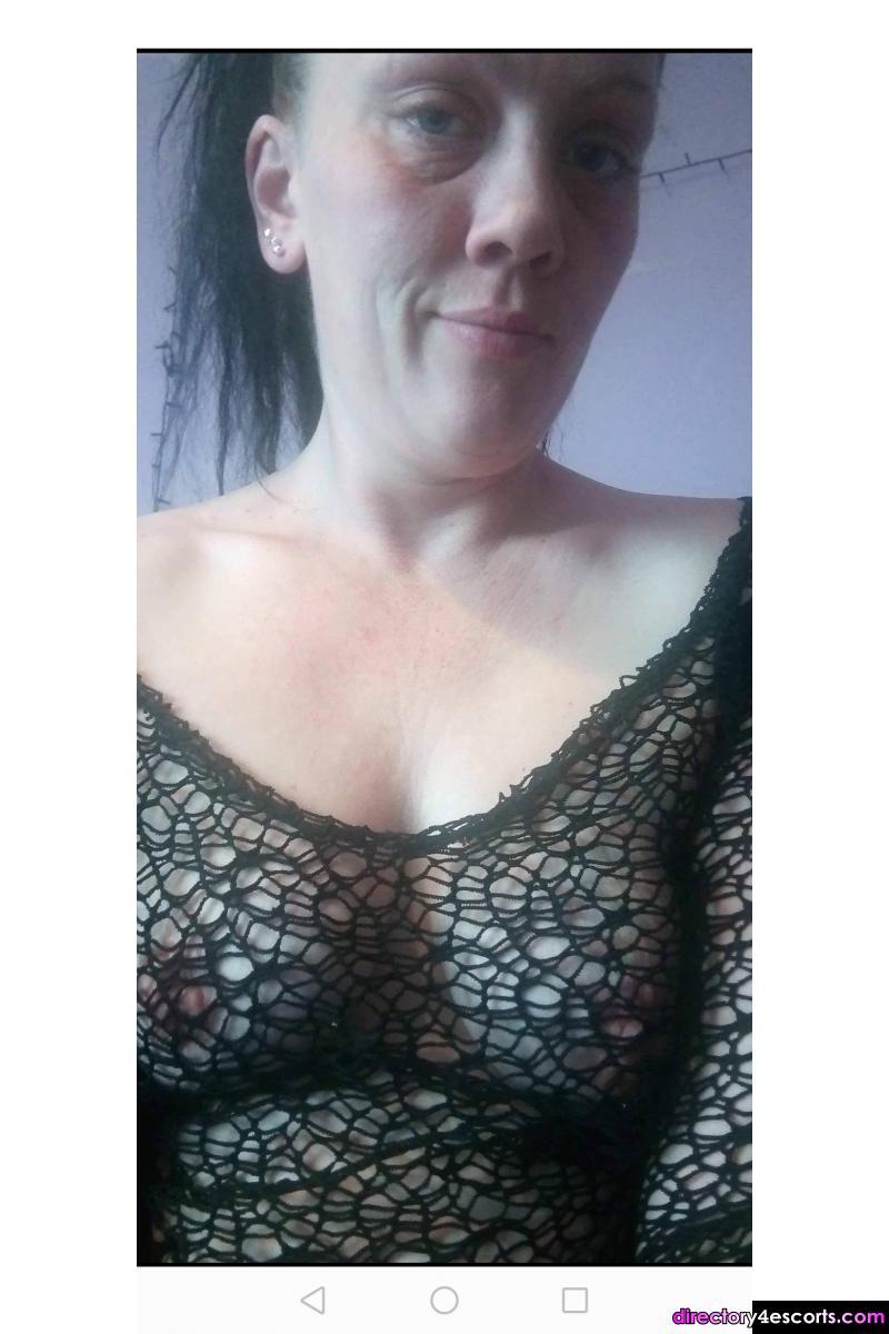 Young sexy woman seeking fun for cash