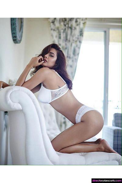 Spend An Erotic Night With Sexy Kolkata Independent Escorts