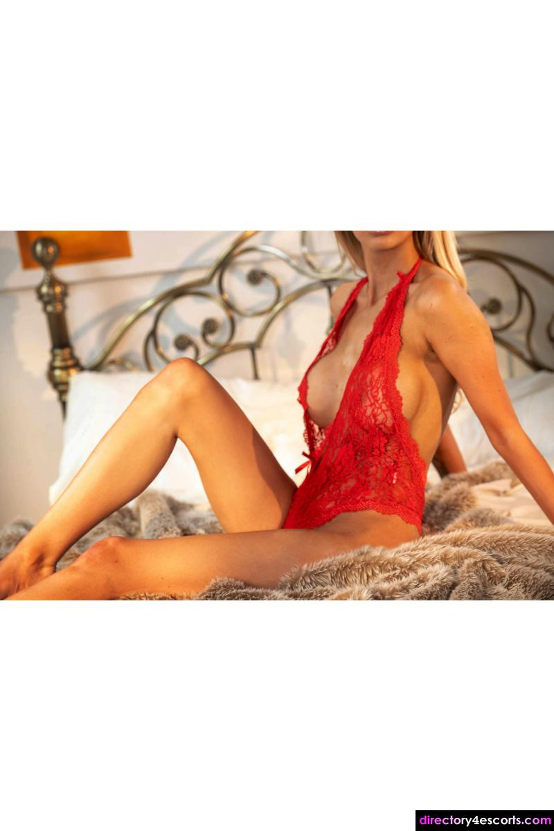 Bold and Busty Leeds Escort Offering Incall and Outcalls