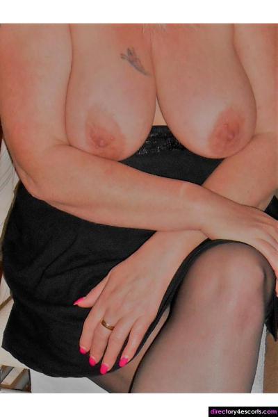 Hot Sexy Busty Blonde Mature MILF escort